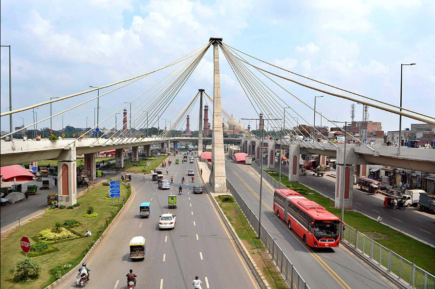 Feasibility of Smart Feeder Bus Service Linking BRT Lahore